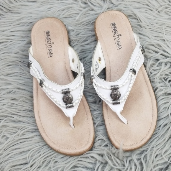 Minnetonka White Leather Concho Flip Flop Sandal 8